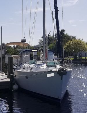 Used Beneteau 411 Racer and Cruiser Sailboat For Sale