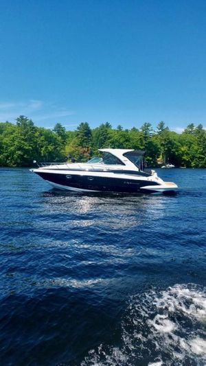 Used Crownline 350SY Cruiser Boat For Sale
