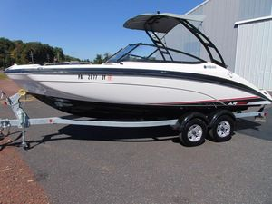 Used Yamaha Boats AR210 Ski and Wakeboard Boat For Sale