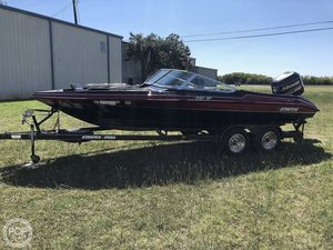 Used Stratos 290 SF Bowrider Boat For Sale