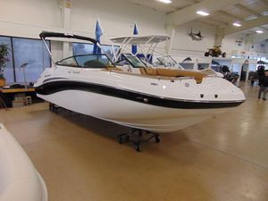 New Hurricane SunDeck 2486 OB Bowrider Boat For Sale