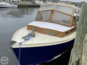 Used Mackenzie Cuttyhunk 23 Antique and Classic Boat For Sale