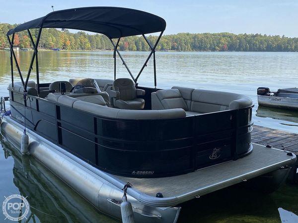 Used Misty Harbor A-2285RU Pontoon Boat For Sale