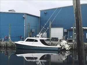 Used Spencer 3202 Pilothouse Boat For Sale
