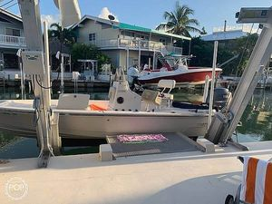 Used Pathfinder 22 Center Console Fishing Boat For Sale