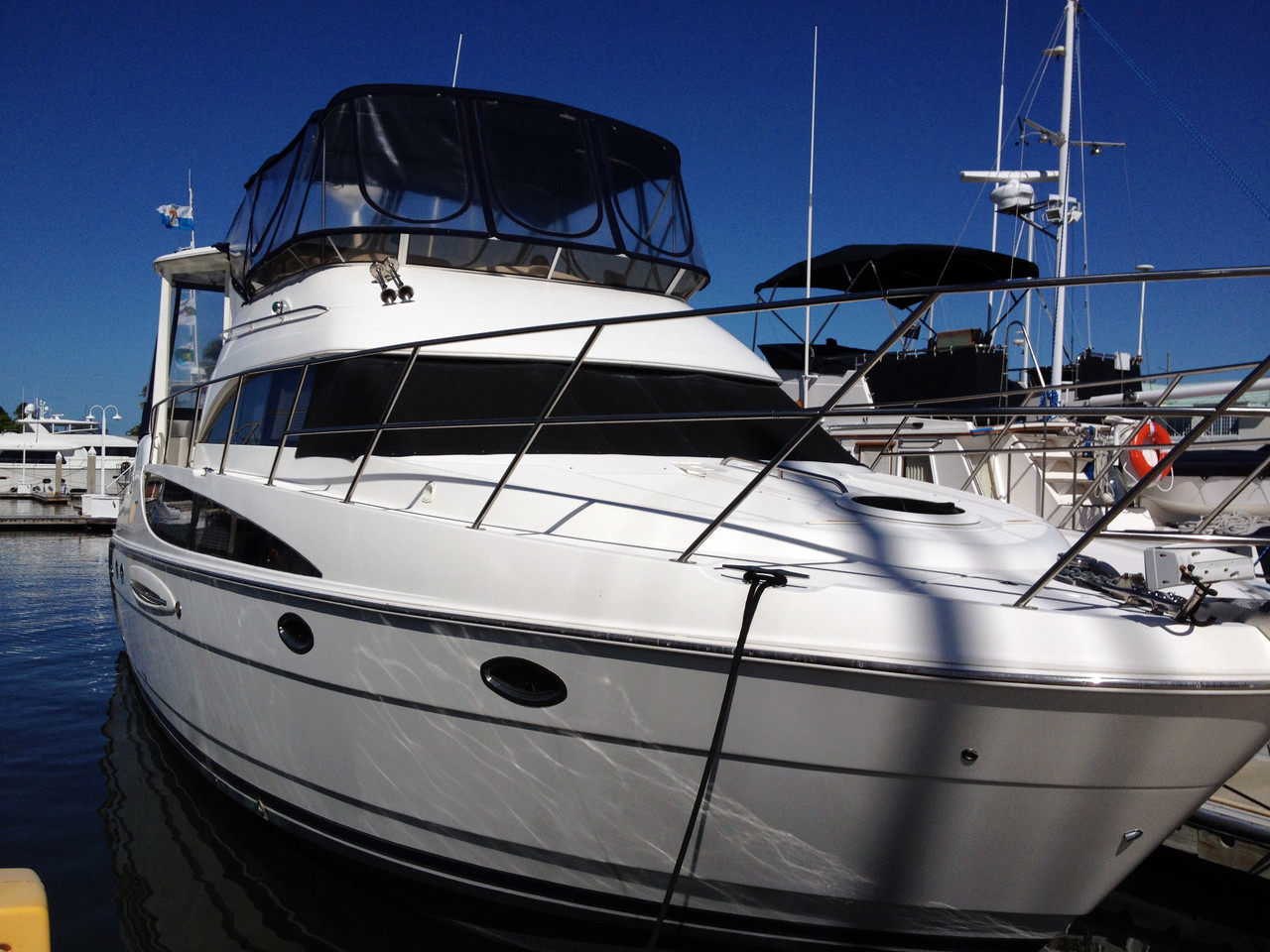 2005 Used Meridian 459 Cpmy Motor Yacht For Sale