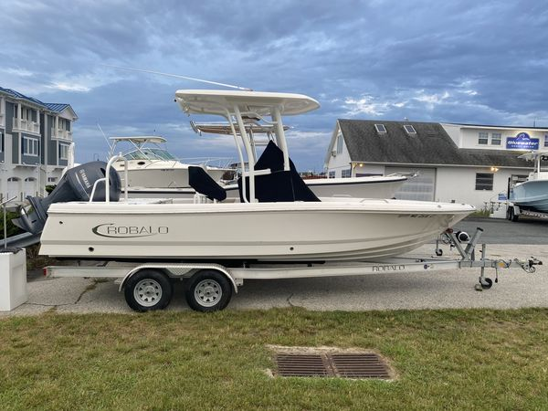 Used Robalo 226 Cayman Bay Boat For Sale