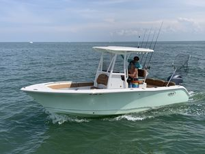 Used Sea Hunt 225 Ultra Center Console Fishing Boat For Sale