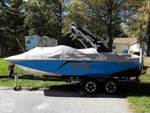 Used Malibu 21 MLX Wakesetter Ski and Wakeboard Boat For Sale