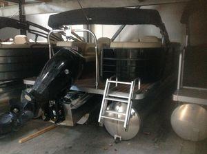 Used Crest I 220 SLC Pontoon Boat For Sale