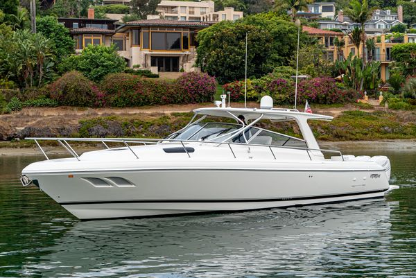 Used Intrepid 43 Sport Yacht Express Cruiser Boat For Sale