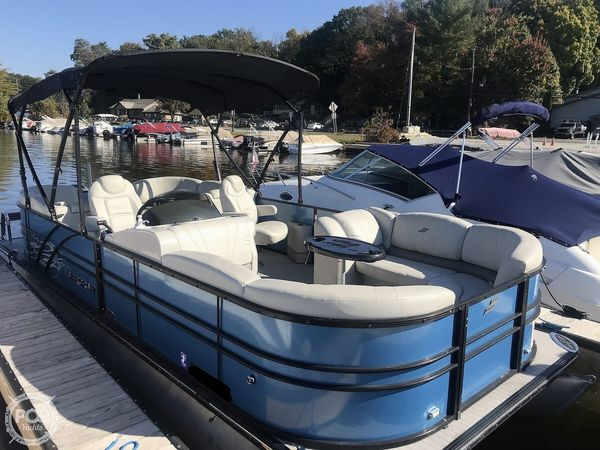 Used Starcraft SLS 3 Pontoon Boat For Sale