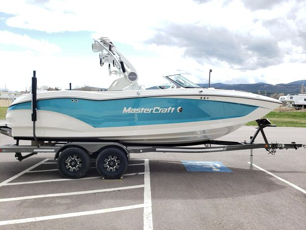 Used Mastercraft X 22 Ski and Wakeboard Boat For Sale