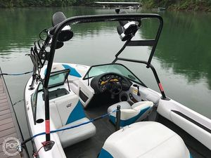 Used Correct Craft 210 Super Air Nautique Ski and Wakeboard Boat For Sale