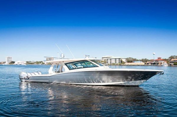 Used Scout 530 LXF Center Console Fishing Boat For Sale