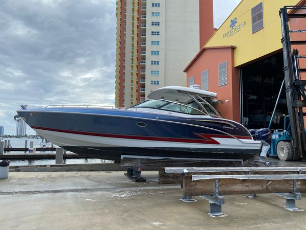 Used Formula 350 CBR W/outboards Express Cruiser Boat For Sale