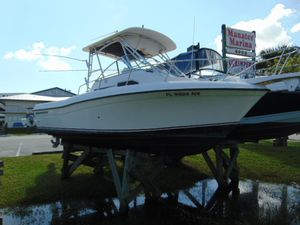 Used Grady-White Gulfstream 232 Saltwater Fishing Boat For Sale
