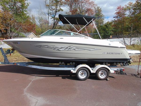 Used Monterey 244FS Bowrider Boat For Sale