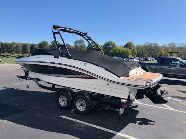 Used Sea Ray SPX 210 Bowrider Boat For Sale