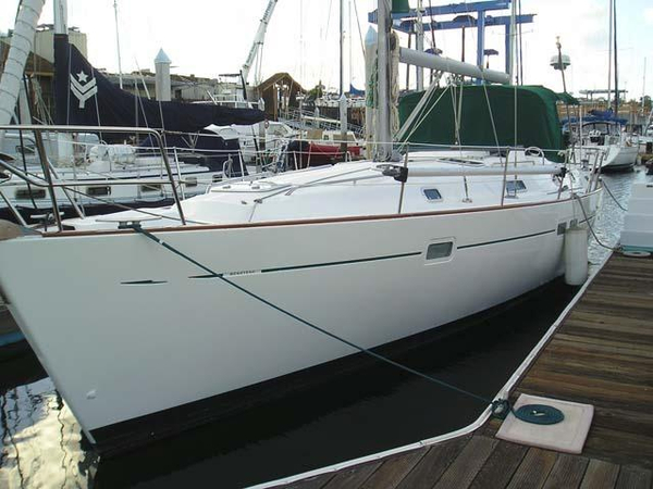 Used Beneteau Oceanis 411 Racer and Cruiser Sailboat For Sale