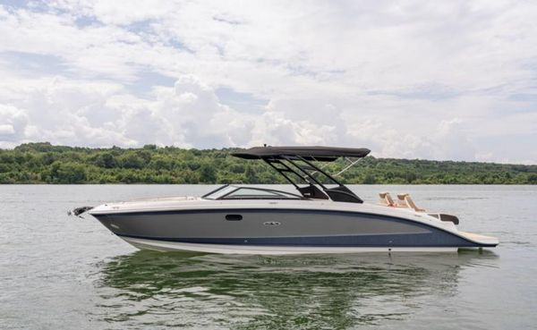 New Sea Ray SDX 290 Deck Boat For Sale