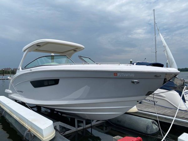 Used Regal 3300 Bowrider Cruiser Boat For Sale