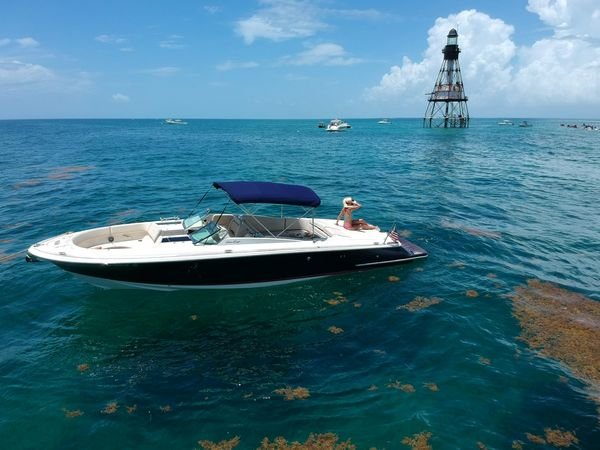 Used Chris-Craft Launch 32 Cruiser Boat For Sale