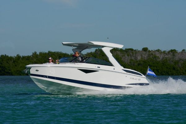 New Cobalt A29 Bowrider Boat For Sale