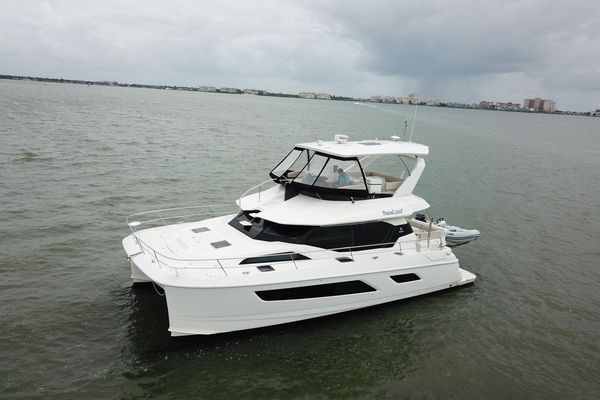 Used Aquila 44 Power Catamaran Boat For Sale