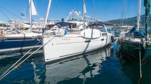 Used Beneteau Oceanis Motorsailer Boat For Sale