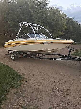 Used Vip 1996 LTD Valiant Ski and Wakeboard Boat For Sale