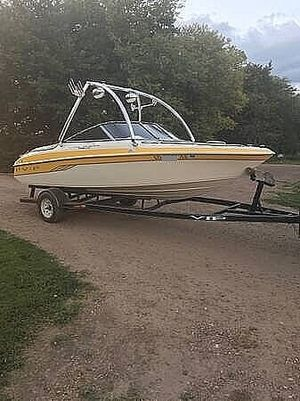 Used Vip 1996 LTD Valiant Ski and Wakeboard Boat For Sale