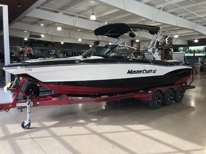 New Mastercraft XT25 Ski and Wakeboard Boat For Sale