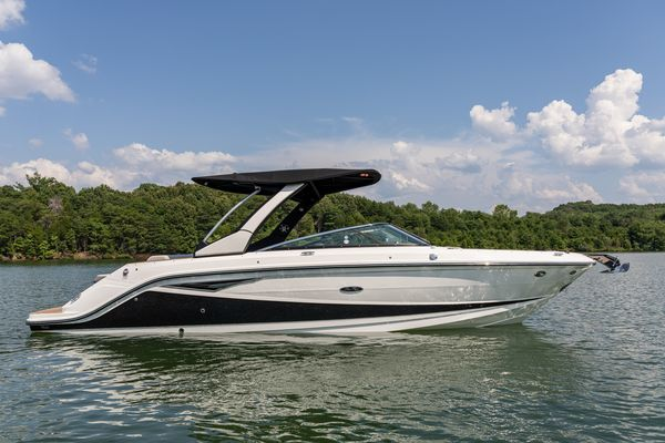 New Sea Ray 280 SLX Express Cruiser Boat For Sale