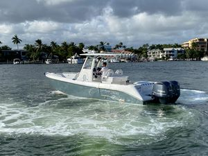 Used Everglades 295 Center Console Fishing Boat For Sale