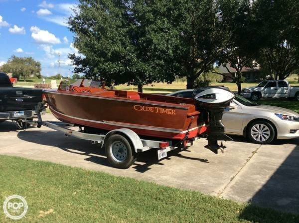 Used Hollywood 17 Antique and Classic Boat For Sale