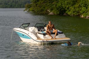 New Sea Ray 190 Sport Express Cruiser Boat For Sale