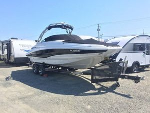Used Crownline E4 Bowrider Boat For Sale