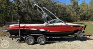 Used Centurion 21 Elite V C4 Ski and Wakeboard Boat For Sale