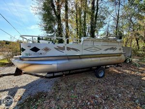 Used Bentley 200 Fish Pontoon Boat For Sale