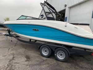 New Sea Ray SPX 230 Bowrider Boat For Sale
