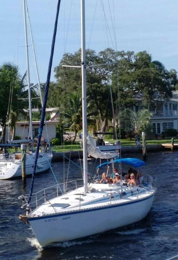 Used Hunter Legend 40 Cruiser Sailboat For Sale