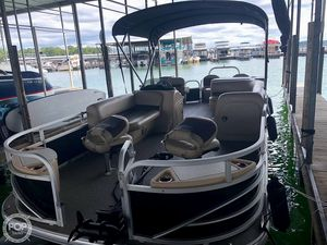 Used Sun Tracker XP3 Fishin' Barge Pontoon Boat For Sale
