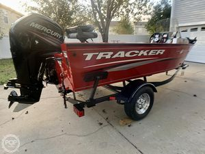 Used Tracker Pro Guide V 16 Aluminum Fishing Boat For Sale
