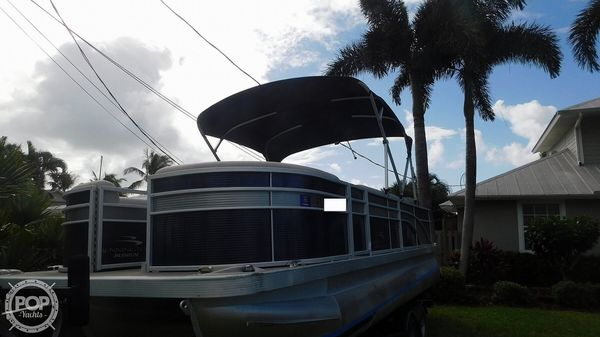 Used Bennington SX 21 Saltwater Pontoon Boat For Sale