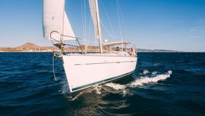 Used Beneteau 393 Cruiser Sailboat For Sale
