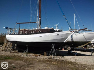 Used Bruce Roberts Spray 28 Cutter Sailboat For Sale