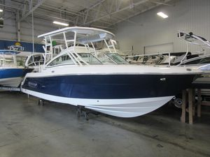 New Robalo R247 Dual Console Bowrider Boat For Sale