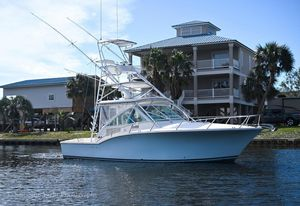 Used Carolina Classic Express Saltwater Fishing Boat For Sale