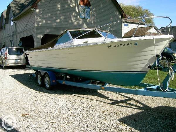 Used Lyman 24 Biscayne Runabout Boat For Sale